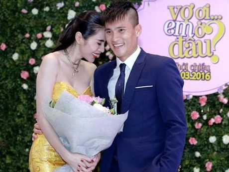 Cong Vinh phan ung gay gat bai bao to anh thieu chuyen nghiep - Anh 1