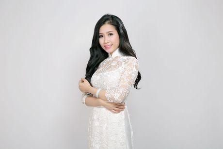 Ca si Tran Hong Nhung: Am nhac giup toi song huong thien - Anh 2