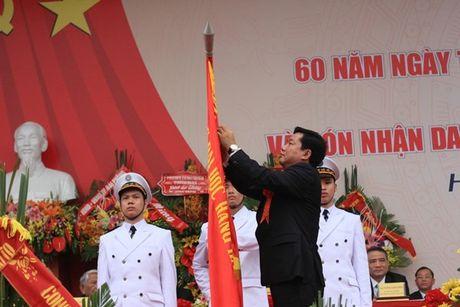 Truong DH Hang Hai Viet Nam don nhan danh hieu Anh hung luc luong vu trang nhan dan - Anh 1