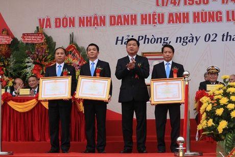 Truong DH Hang Hai Viet Nam don nhan danh hieu Anh hung luc luong vu trang nhan dan - Anh 4