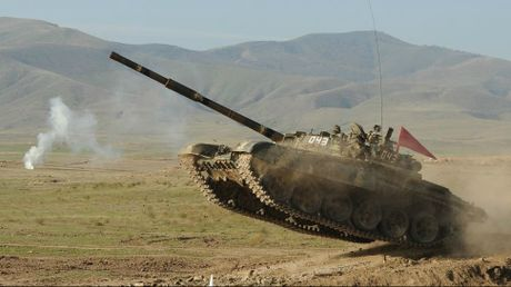 Giao tranh bung phat giua Azerbaijan va Armenia - Anh 1