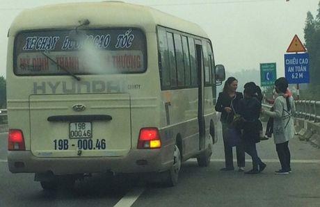61 xe khach bi tu choi phuc vu tren cao toc HN– LC - Anh 1