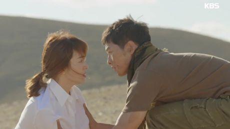 """Hau due mat troi"": Song Joong Ki dot ngot tro ve sau tin tu tran - Anh 14"