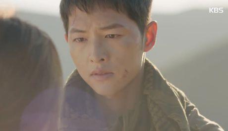 """Hau due mat troi"": Song Joong Ki dot ngot tro ve sau tin tu tran - Anh 15"
