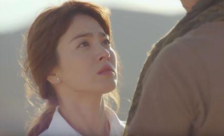 """Hau due mat troi"": Song Joong Ki dot ngot tro ve sau tin tu tran - Anh 16"