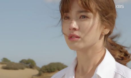 """Hau due mat troi"": Song Joong Ki dot ngot tro ve sau tin tu tran - Anh 3"