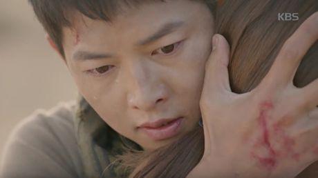 """Hau due mat troi"": Song Joong Ki dot ngot tro ve sau tin tu tran - Anh 4"