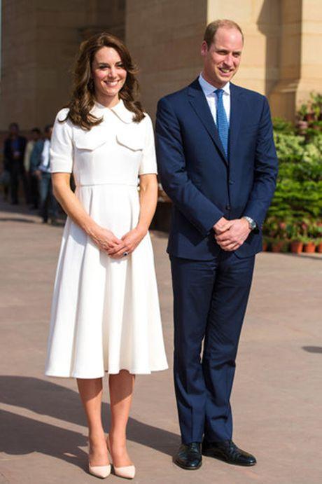 Nhung trang phuc Kate Middleton mac trong chuyen tham An Do va Bhutan - Anh 4