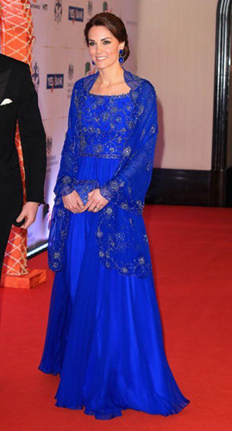 Nhung trang phuc Kate Middleton mac trong chuyen tham An Do va Bhutan - Anh 8