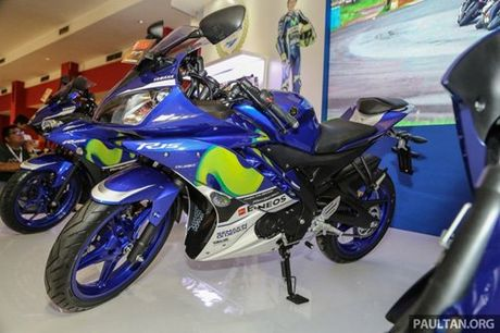 Yamaha R15 Movistar 2016 dam chat the thao xuat hien - Anh 1