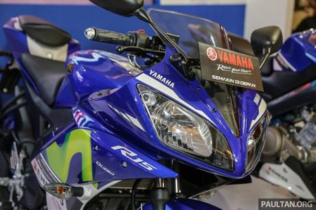 Yamaha R15 Movistar 2016 dam chat the thao xuat hien - Anh 3