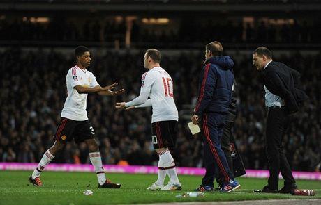 Rooney ngoi du bi, M.U van vao ban ket cup FA - Anh 3