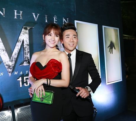 Tran Thanh tinh tu voi Hari Won truoc dam dong - Anh 3