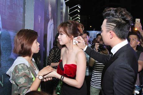 Tran Thanh tinh tu voi Hari Won truoc dam dong - Anh 4