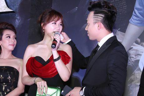 Tran Thanh tinh tu voi Hari Won truoc dam dong - Anh 6