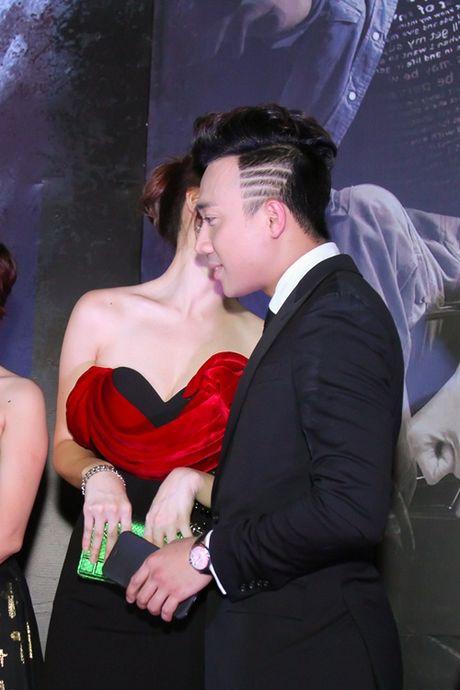 Tran Thanh tinh tu voi Hari Won truoc dam dong - Anh 7