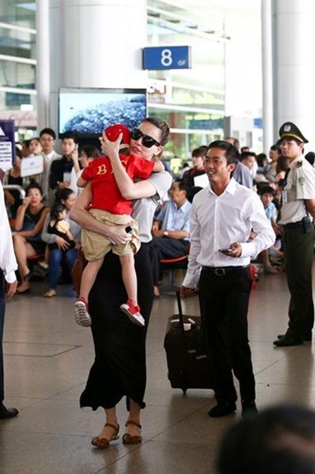 Choang vang muc hoc phi khung cua con sao Viet - Anh 2