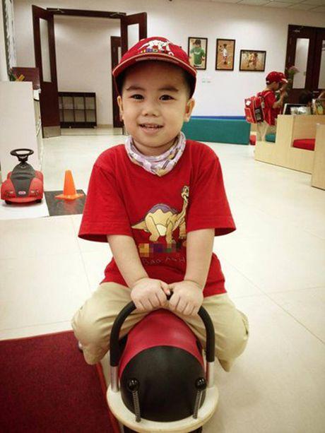Choang vang muc hoc phi khung cua con sao Viet - Anh 3