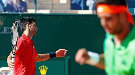 Tay vot vo danh soc nang, khong tin quat nga Djokovic - Anh 1