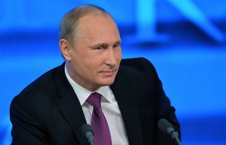 Tong thong Putin dang dan tra loi hang trieu cau hoi cua nguoi dan - Anh 1