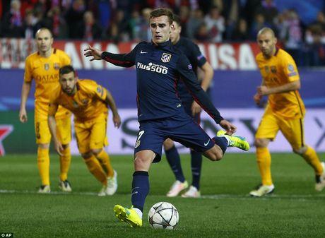 "Atletico Madrid 2-0 Barcelona: ""Loi nguyen"" Champions League! - Anh 3"