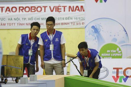 Vong loai 2 Robocon phia Bac: WAI 1 tiep tuc dai thang voi 3 Chai-Yo! - Anh 12