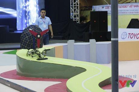 Vong loai 2 Robocon phia Bac: WAI 1 tiep tuc dai thang voi 3 Chai-Yo! - Anh 16