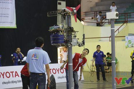 Vong loai 2 Robocon phia Bac: WAI 1 tiep tuc dai thang voi 3 Chai-Yo! - Anh 22