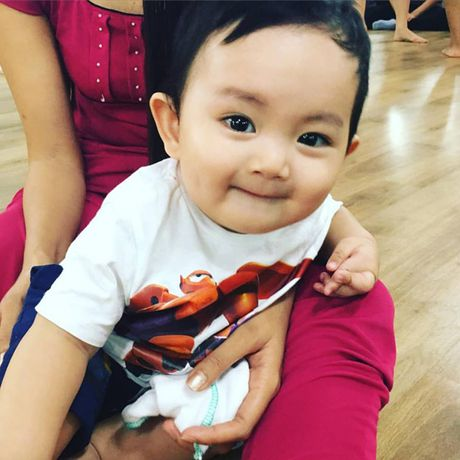 Phat sot anh danh hai Hoai Linh be con trai Khanh Thi cuoi tit mat - Anh 4