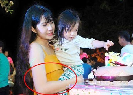 Ba xa Ly Hai dang mang bau lan 4 o thang thu 5 - Anh 2
