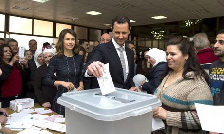 Syria: Dung mo ong Bashar al-Assad tu chuc - Anh 1
