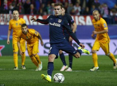 Griezmann toa sang giup Atletico Madrid da bay Barcelona - Anh 2