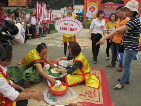 Tung bung 'Hoi thi goi banh chung banh giay 2016' - Anh 3