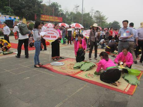 Tung bung 'Hoi thi goi banh chung banh giay 2016' - Anh 5