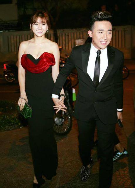 Tran Thanh - Hari Won tinh tu ben nhau trong le ra mat phim 'Benh vien ma' - Anh 1