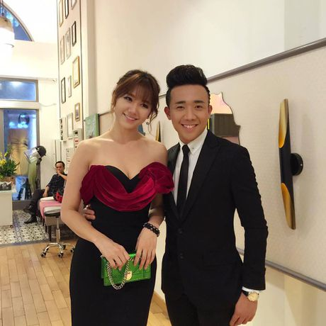 Tran Thanh - Hari Won tinh tu ben nhau trong le ra mat phim 'Benh vien ma' - Anh 3