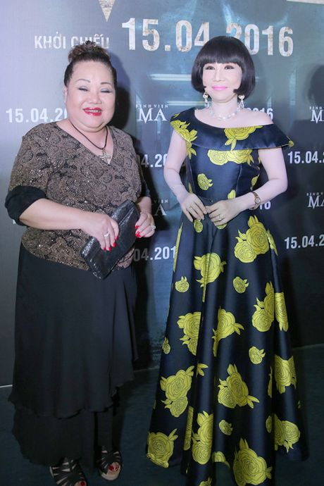 Tran Thanh - Hari Won tinh tu ben nhau trong le ra mat phim 'Benh vien ma' - Anh 7