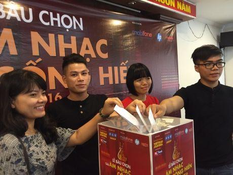 Cong hien 2016 tuong nho GS Tran Van Khe, ca si Tran Lap - Anh 1
