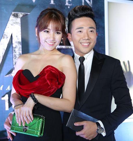Tran Thanh au yem ben Hari Won giua chon dong nguoi - Anh 1