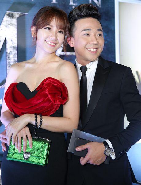 Tran Thanh au yem ben Hari Won giua chon dong nguoi - Anh 6