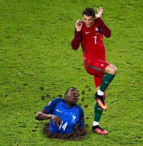 Hanh dong dieu da cua Ronaldo bi che anh khong thuong tiec - Anh 4