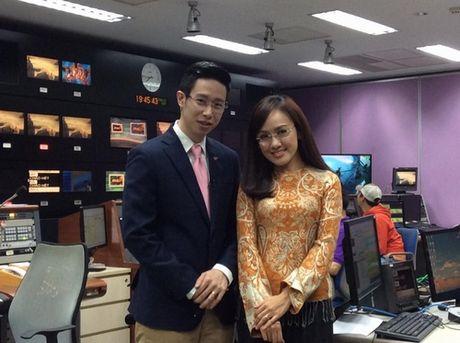BTV Hoai Anh tiet lo hau truong di chan dat dan thoi su - Anh 2