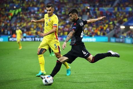"Anh Euro 2016 Romania 0 - 1 Albania: Tieng noi cua ke ""chieu duoi"" - Anh 13"