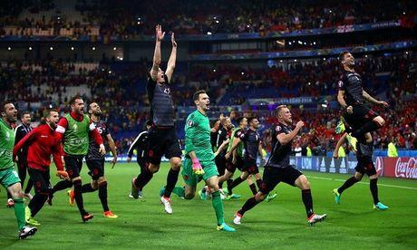 "Anh Euro 2016 Romania 0 - 1 Albania: Tieng noi cua ke ""chieu duoi"" - Anh 14"