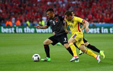 "Anh Euro 2016 Romania 0 - 1 Albania: Tieng noi cua ke ""chieu duoi"" - Anh 1"