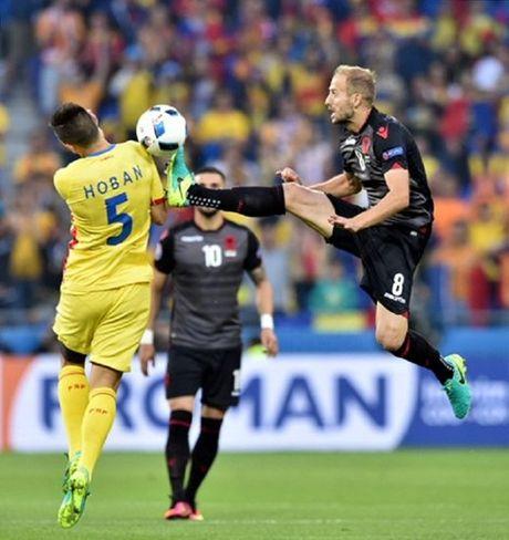 "Anh Euro 2016 Romania 0 - 1 Albania: Tieng noi cua ke ""chieu duoi"" - Anh 3"