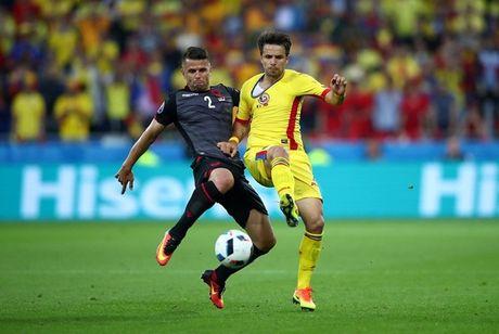 "Anh Euro 2016 Romania 0 - 1 Albania: Tieng noi cua ke ""chieu duoi"" - Anh 4"