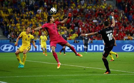 "Anh Euro 2016 Romania 0 - 1 Albania: Tieng noi cua ke ""chieu duoi"" - Anh 6"