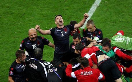 "Anh Euro 2016 Romania 0 - 1 Albania: Tieng noi cua ke ""chieu duoi"" - Anh 7"