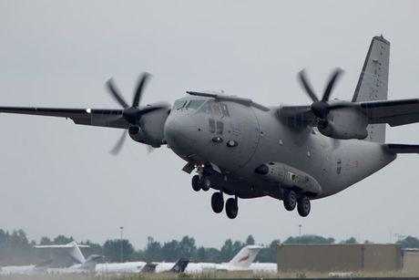 Kho mua C-130, Viet Nam co the chon may bay C-27J? - Anh 7